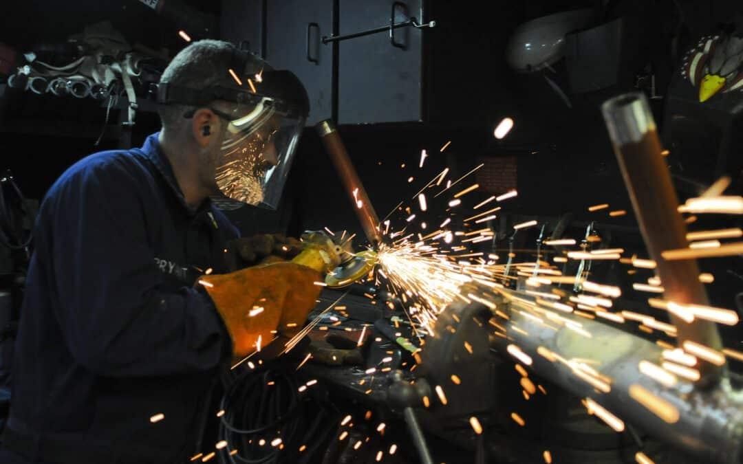 """Fachkräftemangel: Steuerfreie Gehaltsbestandteile als attraktive Angebote im Kampf um die """"besten Köpfe"""""""